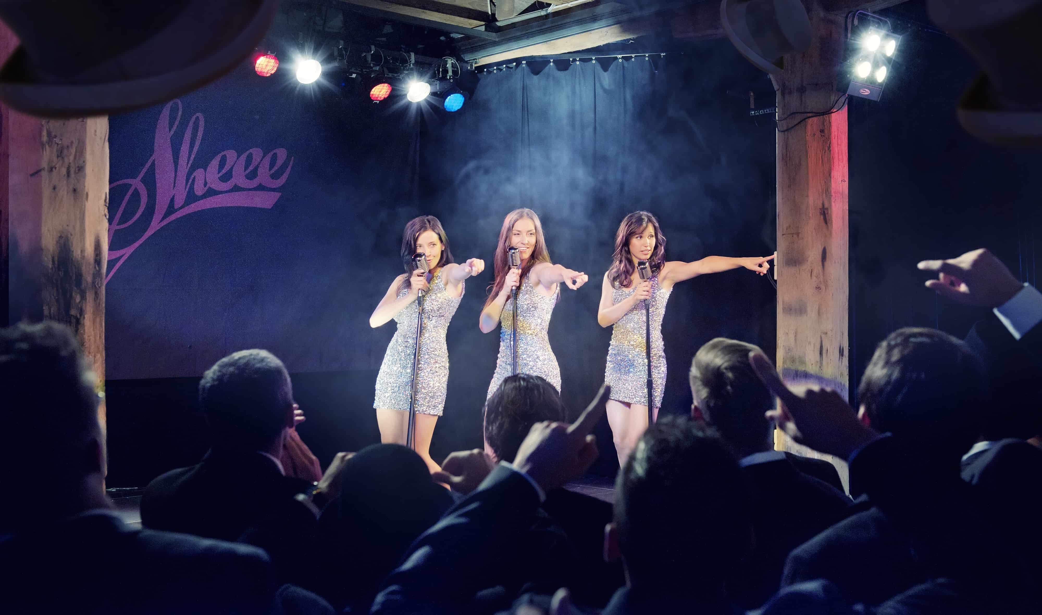 Liveband Sheee mit drei Sängerinnen. Professionelle Partyband und Coverband Schweiz.